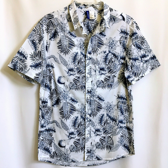 f8b1e966 H&M Shirts | Hm Divided Mens Hawaiian Shirt S | Poshmark